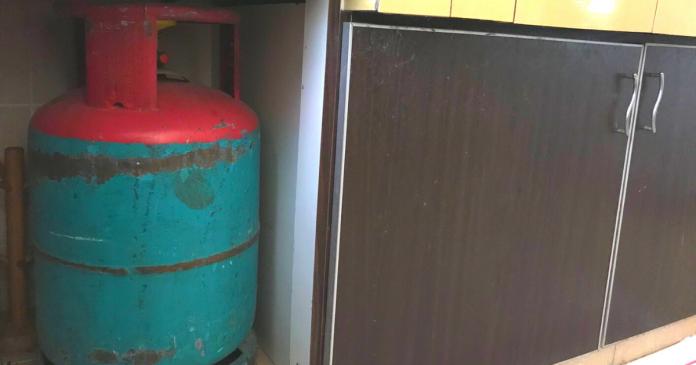 Letak tong gas dalam kabinet bertutup tak selamat